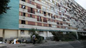 Apartment complex in the Clichy-sous-Bois banlieue, from an article about urban renewal projects on franceinfo.fr.