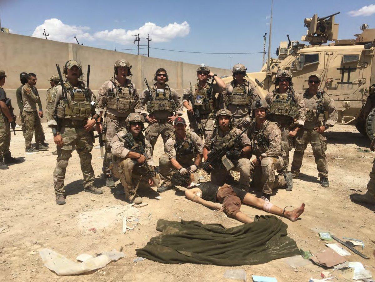 The Navy SEALS broke into tears: irregular past-tense verbs inEnglish