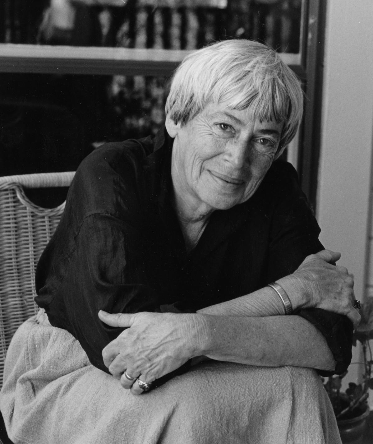"A paw, a questing nose: Ursula K. Le Guin's ""Company"""